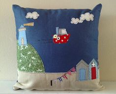 Love this British seaside applique Applique Cushions, Sewing Pillows, Diy Pillows, Decorative Pillows, Sewing Appliques, Applique Patterns, Free Motion Embroidery, Machine Embroidery, Sewing Crafts