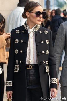 Olivia Palermo Dior Haute Couture Street Style Paris Fashion Week Best Picture For Haute Couture makeup For Your Taste You are looking for something, and it is going to tell you exactly what you Estilo Olivia Palermo, Olivia Palermo Style, Dior Haute Couture, Couture Makeup, Dior Fashion, New Fashion, Paris Fashion, Vestido Charro, Outfit Invierno