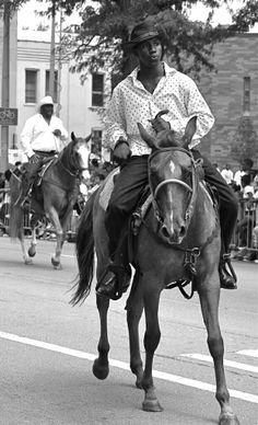 Who knew Gucci Mane was a cowboy! Black Cowgirl, Black Cowboys, Cowboy And Cowgirl, Real Cowboys, African American Fashion, African American History, Black History Facts, Black History Month, The Lone Ranger
