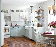 Kitchen Makeover Gorgeous Small Kitchen Remodel Ideas 33 - Remodeling your small kitchen shouldn't be a difficult task. When you put your small kitchen remodeling idea on paper, just […] Home Kitchens, Tiny Kitchens, Kitchens With White Appliances, Beach Cottage Kitchens, Luxury Kitchens, Small Cottage Interiors, Cottage Kitchen Decor, Cottage Kitchen Cabinets, Small Cottage Homes
