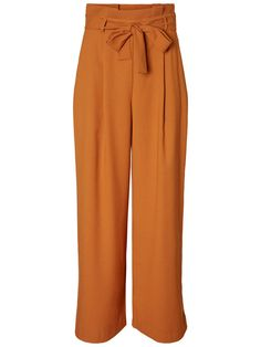 Wide and high-waisted trousers. #veromoda Colourful outfit | Styling tips | Fashion