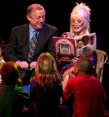 Video: Dolly Parton's Imagination Library - Helping Our Kids One Book At A Time