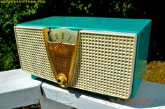 ABSOLUTELY TURQUOISE Twin Speaker Retro Vintage 1959 Philco Model E-816-124 AM Tube Radio Totally Restored!