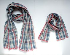 Fête des pères : look père-fils ou père-fille pour un duo d'écharpes en voile de coton écossais dans un sac assorti : Echarpe, foulard, cravate par lunitesieste