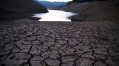 Dry cracked earth on the banks of Shasta lake at Bailey Cove, Aug. in Lakehead, CA. straight year of drought) Water Bond, Global Warming Issues, Strange Weather, California Drought, Science Images, Water Company, National Weather, Space Photography, The Weather Channel