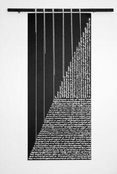 Par Ann Grim. Visible à la Mannerheim Gallery à Paris. Acrylique sur papier, cordons de coton, châssis brulé. Remerciements a Thierry de Beaumont pour les textes originaux.