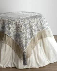 -4N3H Ivory Table Linens