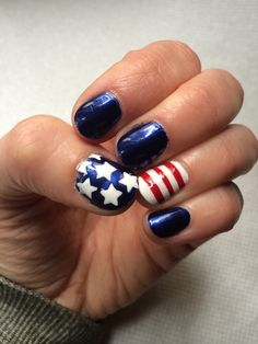 4th of July nails using nail tape and star punched tape / colors: Essie's forever yummy, blanc, Sinful Colors' hot spot / #ilananailsit
