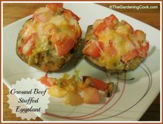 This recipe for stuffed eggplants uses small eggplants that hold the ingredients perfectly. The eggplants are stuffed with ground beef and taste just delicious. Hamburger Meat Recipes, Beef Recipes, Cooking Recipes, What's Cooking, Recipies, Healthy Family Meals, Healthy Lunches, Healthy Eats, Healthy Life