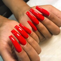 I wish my nails always look as beautiful and they match the leather pants and stilettos Perfect Nails, Gorgeous Nails, Pretty Nails, Hot Nails, Hair And Nails, Long Red Nails, Black Acrylic Nails, Purple Lips, Girls Nails