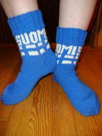 Ihanaa leijonat ihanaa, tein kahdet suomisukat toiset kokoa 39-41 ja 41-43. Lanka seiskaveikka sininen ja valkoinen. Puikot 4. Socks, Fashion, Handarbeit, Moda, Fashion Styles, Sock, Stockings, Fashion Illustrations, Ankle Socks