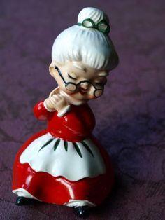 Lefton-Mrs-Claus-Shelf-Sitter