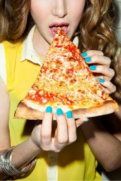 Bright Nails For Spring - Neon Nail Polish Tips Casa Pizza, Pizza Pizza, Comida Pizza, Sauce Pizza, Neon Nail Polish, Pizzeria, Favourite Pizza, Quiche, People Eating