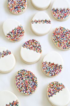 30 gorgeously bright Easter dessert recipes to celebrate spring like this Egg-Shaped Sprinkle Cookies recipe! 30 gorgeously bright Easter dessert recipes to celebrate spring like this Egg-Shaped Sprinkle Cookies recipe! Holiday Desserts, Holiday Treats, Holiday Recipes, Easter Desserts, Holiday Cookies, Party Desserts, Appetizers For Kids, Easter Appetizers, Holiday Appetizers
