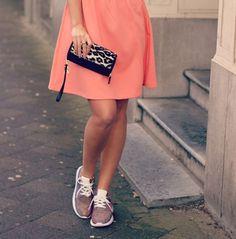 12 beste afbeeldingen van Glitter Sneakers Outfits