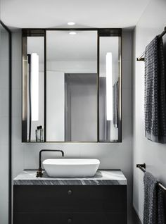 Australian Interior Design Awards - The Melburnian by Studio Tate Bathroom Design Inspiration, Bad Inspiration, Modern Bathroom Design, Bathroom Interior Design, Design Ideas, Interior Inspiration, Bathroom Designs, Australian Interior Design, Interior Design Awards