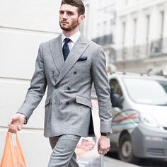 meandmybentley:  Double-breasted dapper in London. Shaun Brennan shot by street style photographer Robert Spangle of Thousand Yard Style. #meandmybentley