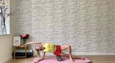 Stay supple and injury free with this 10 minute workout you can do daily. Get more ballet fitness workouts with us on sleekballetfitness.com Fit Board Workouts, Fitness Workouts, Ballet Workouts, Roller Workout, Ballet Fitness, Foam Roller Exercises, 10 Minute Workout, Physique, Dancer