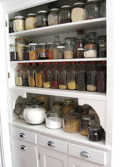 Open storage in small kitchens