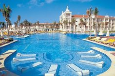 Riu Palace, Cabo San Lucas, Oscar and I went for our honeymoon and going back next year for our 5 year! Love this place :)