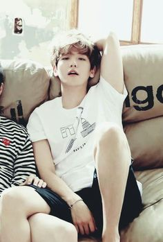 """Exo - Baekhyun """"He's a horny fuckboy. He thirsty for Chanyeol. I mean look where his right hand is located. And his right leg on top of someone else's. Baekhyun Chanyeol, Sehun Oh, Luhan And Kris, K Pop, Kpop Exo, Kris Wu, 2ne1, Laura Lee, Got7"""