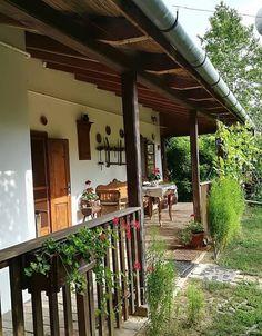 Village House Design, Village Houses, Pergola Patio, Diy Patio, Small Pergola, Pergola Ideas, Patio Ideas, Weekend House, Spanish Style Homes