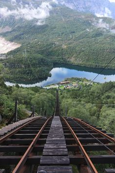Mågelibanen cliff railway in Odda, Hordaland, Norway /// #travel #train #wanderlust #adventure