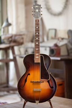 Gibson L-4