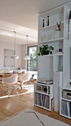Mein Lieblingstag. langsam aufstehen, | SoLebIch.de Minimal Home, Minimalist Home Decor, Minimalist Living, Furniture Inspiration, Interior Inspiration, Home Interior, Interior Styling, Living Area, Living Room Decor