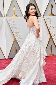 Can Auli'i Cravalho be more stunning? #Oscars