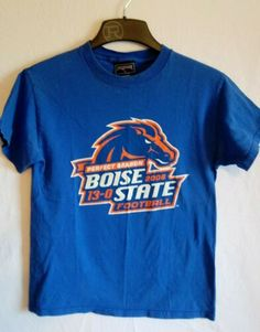 Boise State Broncos Football Perfect Season 2006 T-Shirt- Men s Size Small  Boise 7313950b2