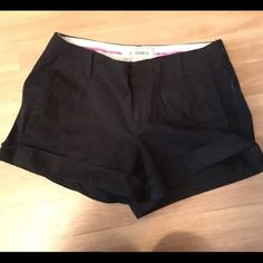 """Old Navy black chino shorts The perfect fit Old Navy black chino shorts. 3.5"""" inseam. In excellent condition. Old Navy Shorts"""