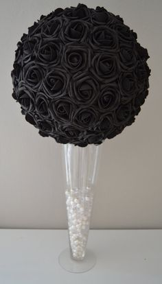Get Unique Wedding Flower Centerpieces On A Budget That Look Professional And Beautiful - Pretty Bride Now Bling Wedding Centerpieces, Black Centerpieces, Wedding Flower Arrangements, Masquerade Centerpieces, Balloon Centerpieces, Floral Arrangements, Wedding Decorations, Rose Wedding, Elegant Wedding