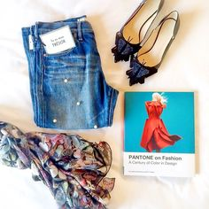 Girl with the pearl jeans via @carriec #PANTONE