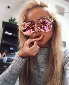 ❁ Pinterest | LoloWalkley ❁ ABSOLUTELY FABULOUS!! - LOVING HER SUPERB PINK SUNNIES. ➕