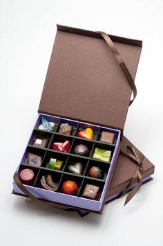 DB Infusions chocolate in Madison, WI! Pretty much love that my sis in law is in the chocolate biz! Luxury Chocolate, I Love Chocolate, Chocolate Gifts, Chocolate Lovers, Chocolate Heaven, Chocolate Box Packaging, Doce Light, Artisan Chocolate, Packaging Design Inspiration