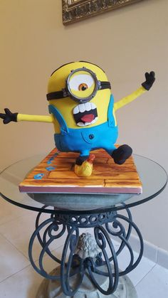 Oops minion slipping on banana  - Cake by Cake Towers
