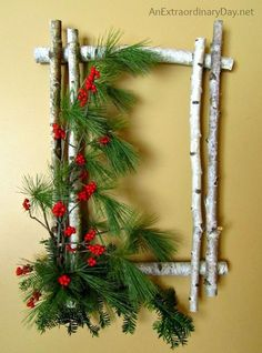 Christmas holidays often come with joy and happiness. This can be emphasized with a bunch of DIY Christmas wreaths to make the holiday complete. Noel Christmas, 12 Days Of Christmas, Winter Christmas, Christmas Ornaments, Natural Christmas, Christmas Vacation, Diy Christmas Frames, Simple Christmas, Christmas Backdrop Diy
