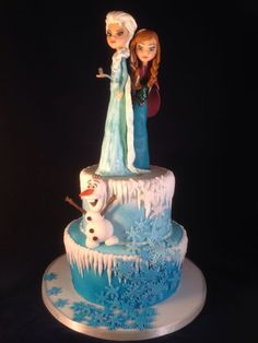 Frozen cake with Anna and Elsa made from modelling chocolate