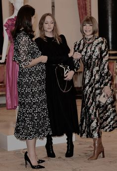 19 February 2018 - Kate, Duchess of Cambridge, and Sophie, Countess of Wessex, host Commonwealth Fashion Exchange reception at Buckingham Palace - dress by Erdem Princess Kate Middleton, Kate Middleton Style, Duchess Kate, Duchess Of Cambridge, Anna Wintour Style, Royal Family Pictures, Kate And Pippa, Prince William And Catherine, Milan Fashion Weeks