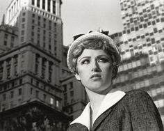 Cindy Sherman - Untitled Film Still Courtesy Metro Pictures, New York. Sherman is an American photographer and film director, best known for her conceptual portraits. Fondation Louis Vuitton, Gerhard Richter, Cindy Sherman Film Stills, Cindy Sherman Art, Cindy Sherman Photography, Untitled Film Stills, Stephen Shore, Frank Gehry, Art History