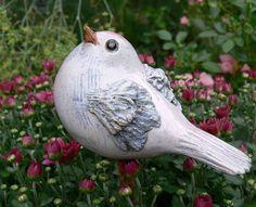 Keramik - Gartenkeramik STECKVOGEL weis u. zart rosa - ein Designerstück von Brigitte_Peglow bei DaWanda