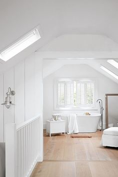 61 Trendy Bedroom Ideas For Small Rooms Rustic Attic Spaces Small Room Bedroom, Trendy Bedroom, Bedroom Colors, Small Rooms, Small Spaces, Master Bedroom, Cottage Shabby Chic, Cottage Bath, Cozy Cottage