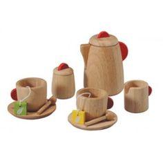 Plantoys Holz Teeservice für Kinder  http://www.baby-weingart.de/Babyspielzeug/Kueche-und-Co/Plantoys-Tee-Service-Holz::2979.html