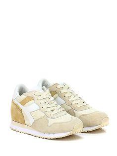 DIADORA Heritage - Sneakers - Donna - Sneaker in camoscio e tessuto con suola in gomma, tacco 75, platform 15 con battuta 60. Zeppa interna. - BEIGE\CREMA - € 170.00