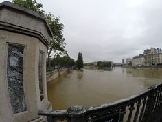 Dear all #flood in #Paris! scoop! pictures of La seine +6.1m
