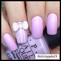 IG: @oliviajade19 Polishes: OPI Mod About You and Simply Spoiled Beauty white nail art pen Bow: Simply Spoiled Beauty