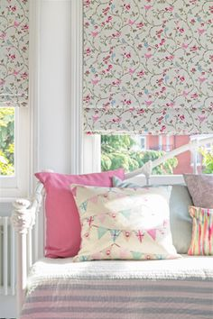 Birdsong Summer curtains Be inspired by nature with this bird and floral whimsical patterned Roman blind. A great way to add a touch of pink to your room. House Design, Childrens Blinds, Childrens Bedrooms, Roman Blinds Bedroom, Summer Curtains, Interior, Nursery Blinds, Home Decor, Room