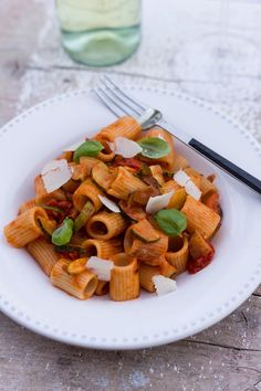 Sommer Pasta mit Zucchini-Bolognese – Flavoured with Love
