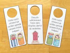 Für die bevorstehende Fahrt ins Schullandheim habe ich diese Türhänger erstellt. Die Kinder können die Schilder an ihre Zimmertüren hängen, je nach Laune drehen und dem Rest der Klasse so signalisiere